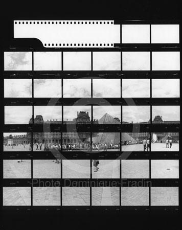 La Pyramide du Louvre. Paris, 1989.