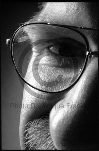 Un homme à lunettes. Paris, 1993.